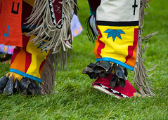 Footsteps006 (Ridley Stevens Photography) Tags: family wow fun dance skins spokane dancing native indian traditional feathers american wa tradition pow encampment riverfrontpark beadwork moccasins powwow footwork spokanetribe spokanefallsencampmentandpowwow