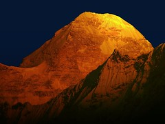 Molten moments !! (Lopamudra!) Tags: india color colour beauty sunrise trek gold dawn golden twilight main peak glacier nanda himalaya highaltitude molten basecamp highest nandadevi pachu kumaon lopamudra kumaun platinumheartaward pachhu