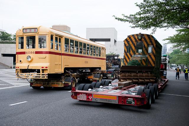 都電6086とササラ電車が江戸東京博物館へ