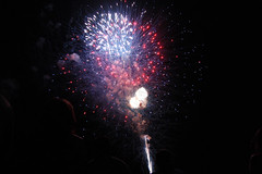 fourth of july. (julia genevieve leung) Tags: light night dark fireworks firework fourthofjuly independenceday