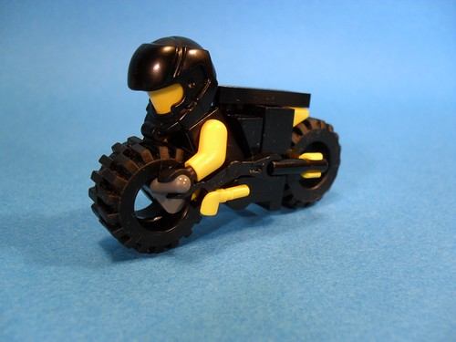 Purist Lego Lightcycle - Yellow Angle