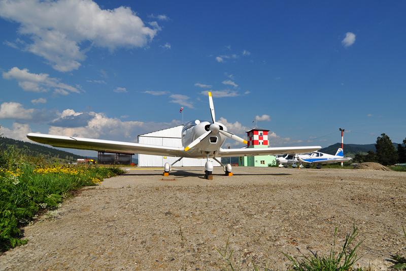 Suceava, Vatra Dornei - Aerodromul Floreni (LRFL) - Pagina 6 5919751490_96b53fa076_o