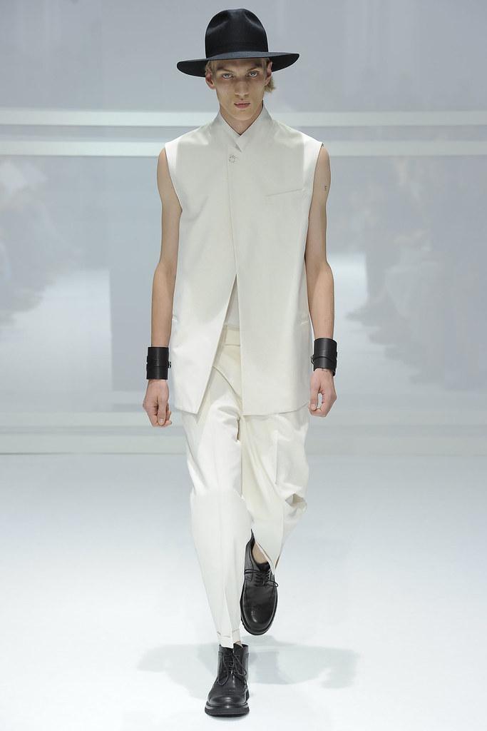 Paul Boche3279_SS12 Paris Dior Homme(VOGUEcom)
