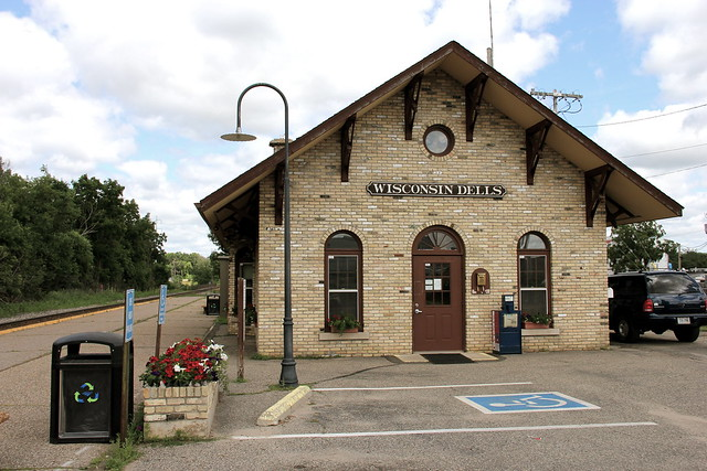 Traditional train station / Wisconsin Dells .