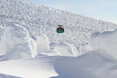 Monsters do exist (Marquisde) Tags: snow ski cold japan landscape scenery resort 7d cablecar yamagata ropeway zao snowmonsters  juhyo canonefs1585isusm