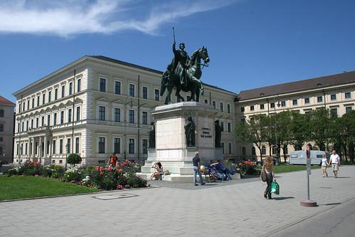Standbild Ludwig I von Bayern - Odeonsplatz