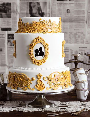 Cameo and Gold Frame Wedding Cake
