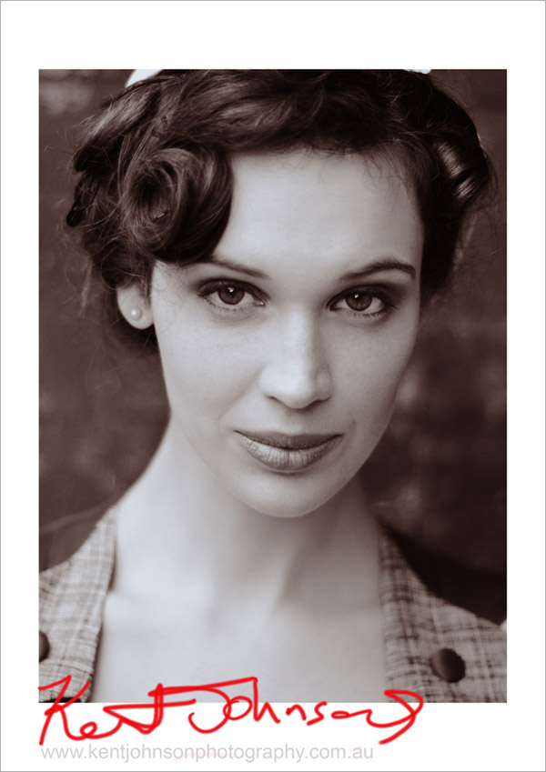 Gillian Cooper, Fashion Modelling Portfolio, B&W headshot Vintage Fashion Style