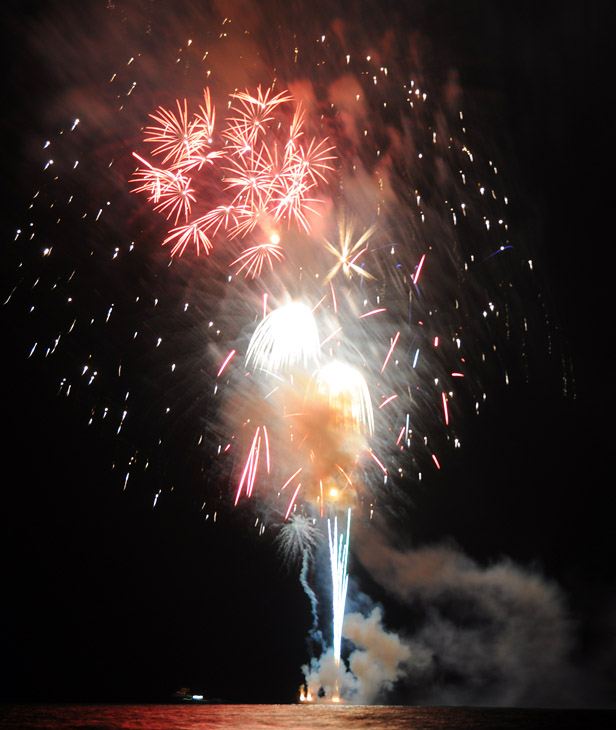 web_fireworks_0142