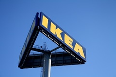 IKEA (delikz) Tags: door blue light moon ikea portugal metal shop logo design photo friend europe image symbol mark july bluesky pole pillow stuff ladder 365 bookcase brand cheap rectangle carry metalic forget payment day188 amadora 2011 0707 waxingcrescent alfragide 1177 project365 p365 365project ikeaalfragide ikeaportugal day188365 3652011 365the2011edition portugueseikea moonwaxingcrescent metalicladder