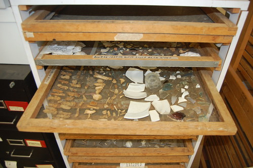 Artifacts from the Pinkney House in Annapolis lay out to dry on screens. Source: Kate Deeley.