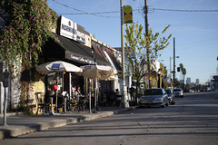(Ross Reyes) Tags: cinema coffee losangeles eveningsun chess silverlake espresso eastside myneighborhood sunsetblvd lazysunday lowsun coffeehouses longshadows watchingtheworldgoby rossreyes lazysun downwithstarbucks morningsnightscafe downwithintelligentsia