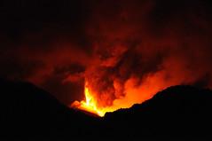 [フリー画像] 自然・風景, 山, 火山, 社会・環境, 災害, 噴火, イタリア, 201108021900