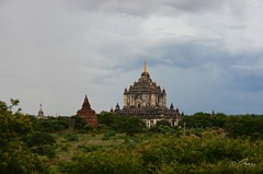 Another view of the Tallest temple in Bagan (Icy_Aj) Tags: sunset temple pagoda buddha burma buddhism myanmar horsecart pagan bagan thatbyinnyu lacquerware buddhismarchitecture ricedish templearchitecture goldenland