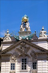 40038056 (wolfgangkaehler) Tags: vienna roof sculpture building rooftop architecture buildings austria europe european architecturaldetail unescoworldheritagesite worldheritagesite local roofdesign localarchitecture localhouses
