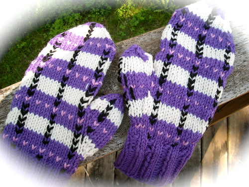 #17 Plaid Mittens
