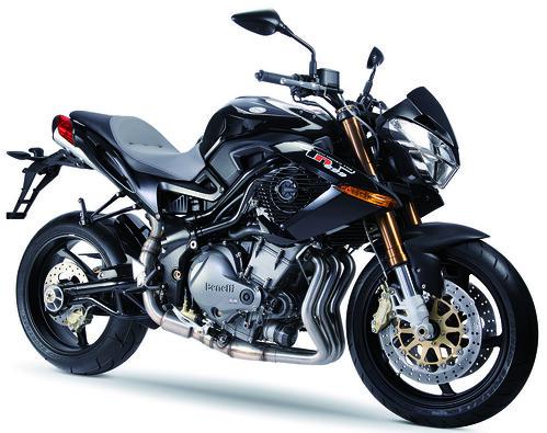 Moto TNT 899