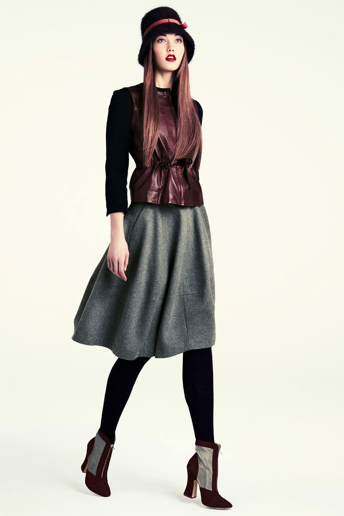 Karlie-Kloss-HM-Fall-2011-Lookbook-3
