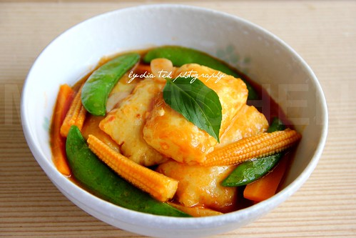 Braised Tofu in Tomato Sauce