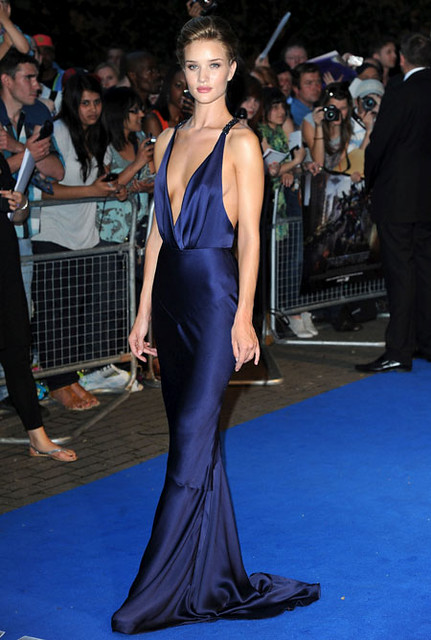 Rosie-Huntington-Whiteley-London-premiere