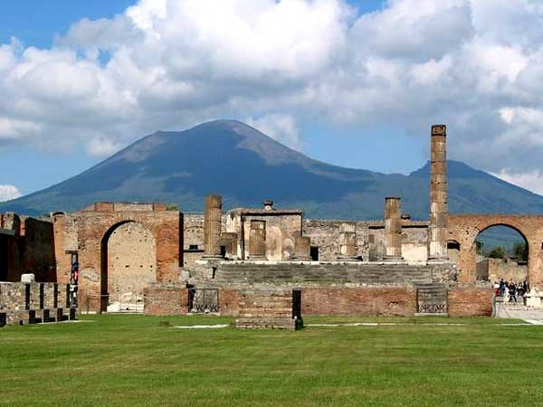 pompeii_temple_of_jupiter