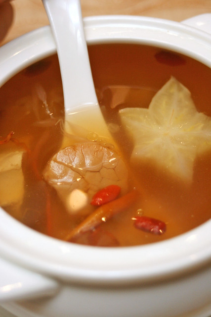 Delicious double-boiled Sea Whelk and Chicken with Starfruit and Pomelo