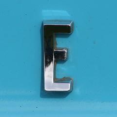 letter E (Leo Reynolds) Tags: canon eos iso100 300mm e letter f8 oneletter 30d eee 0ev hpexif 0002sec grouponeletter lettersilver xsquarex xleol30x xratio1x1x xxx2008xxx