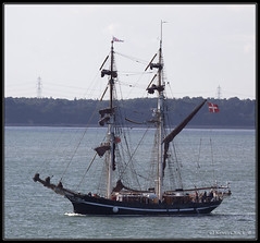 Eye of the Wind (leightonian) Tags: uk island boat sailing ship unitedkingdom isleofwight solent gb tallship isle cowes wight iow bluesail