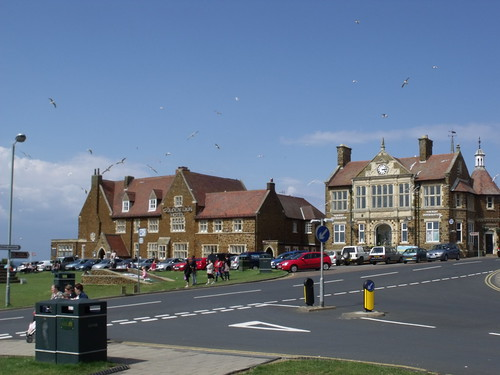 The Golden Lion Hotel and Town Hall - Hunstanton
