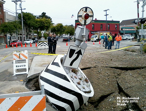 This view of the downed wig-wag signal was taken by El Cerrito Chamber of Commerce member and train fanatic John Stashik.