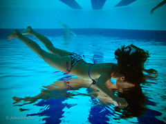 Entering another World _2667 (www.julkastro.co) Tags: abstract art water pool girl composition canon agua aqua experiment piscina h2o submarine mermaids float delicate abstracto flotar composicion g12 underwaterhousing julkastro wpdc38 wwwjulkastroco