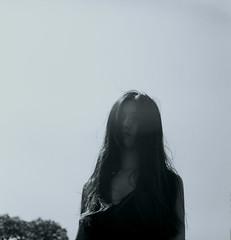 [フリー画像] 人物, 女性, アジア女性, モノクロ写真, 201107260900