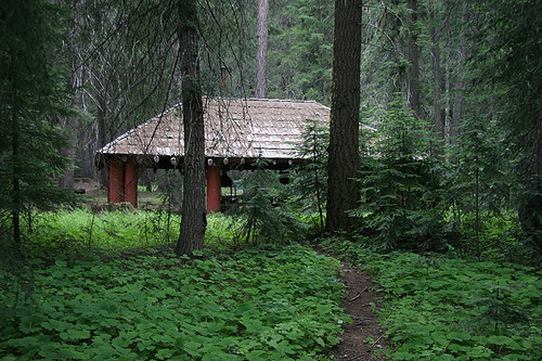 Picnic shelter at Pleasant Valley Campground
