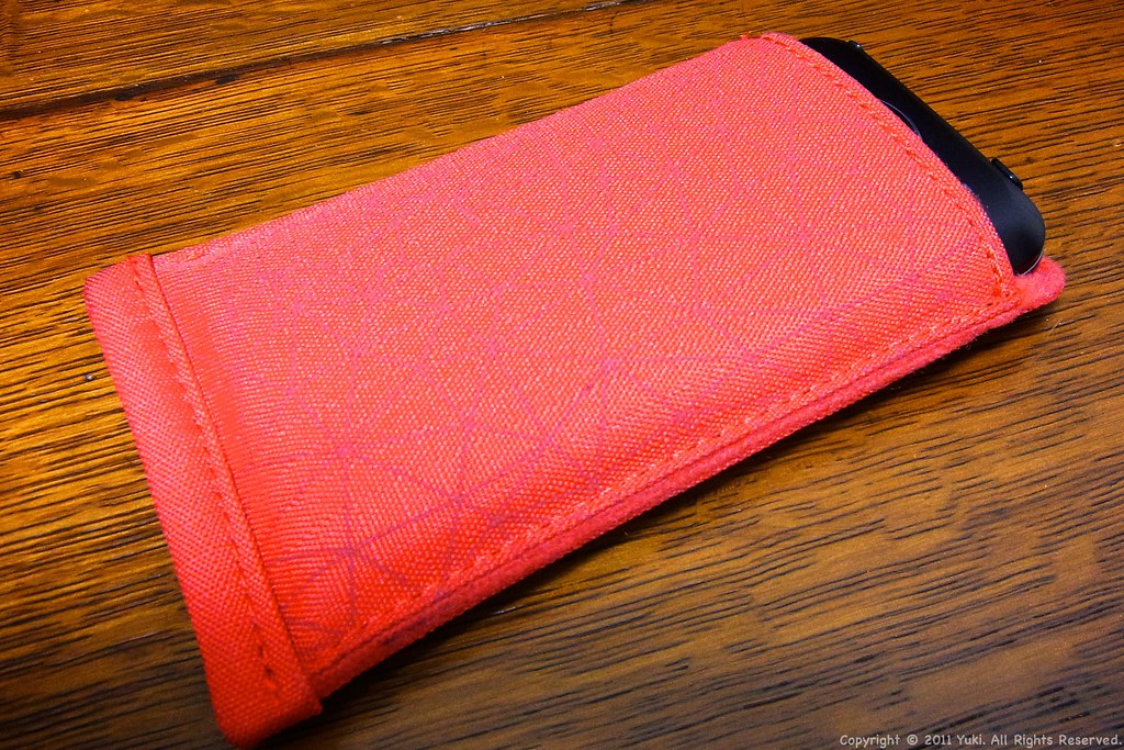 Crumpler Smart Phone Case Back