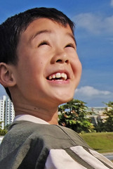 The Joy of Youth... (williamcho) Tags: portrait smile youth photoshop asian fun kid singapore child play outdoor expression young happiness tropical filters kiteflying radiant softlight simei singaporean chldren warping digitaltechnique fujis5pro portraitretouching astoundingimage warptool olétusfotos williamcho postprocessingwithwarping