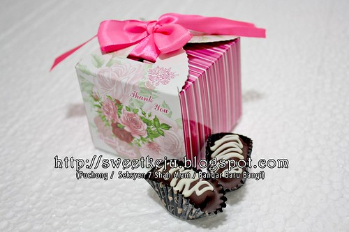 Pink Ribbon Box Packing