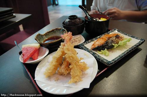 Ishikawa Japanese Restaurant - Sake & Tempura Set