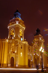 Catedral de Lima, Peru (Martintoy) Tags: peru nikon lima d2x catedral 1855 nikkor catedraldelima nikonnikkorlimaperumartintoy cathedralnikonnikkorlimaperumartintoy