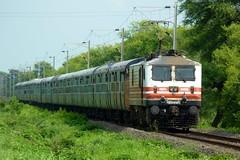 Newly started PDY-NDLS Superfast (Ujjawal™) Tags: electric locomotive express newdelhi pondicherry abb irfca gzb wap5 puducherry