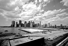 From Brooklyn Heights to the City (Flavia_FF) Tags: nyc newyorkcity blackandwhite bw panorama usa newyork brooklyn america river landscape pier us blackwhite nikon unitedstates manhattan piers lowereastside brooklynheights brooklynheightspromenade wideangle brooklynbridge promenade eastriver tribeca d200 veduta biancoenero nikond200