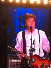 005 Sir Paul in Concert---Cincinnati (jjjj56cp) Tags: concert cincinnati beatles mccartney paulmccartney sirpaul supershot mccartneyontour jennypansing