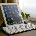 iPad2とベストマッチ!Incase Origami Workstation for Apple Wireless Keyboard