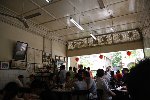 Yut Kee restaurant is crowded