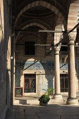 Istanbul: Yeni Camii (zug55) Tags: faience turkey tile türkiye istanbul mosque tiles ottoman eminönü yenicamii newmosque ottomanempire izniktile yenivalidecamii mosqueofthevalidesultan