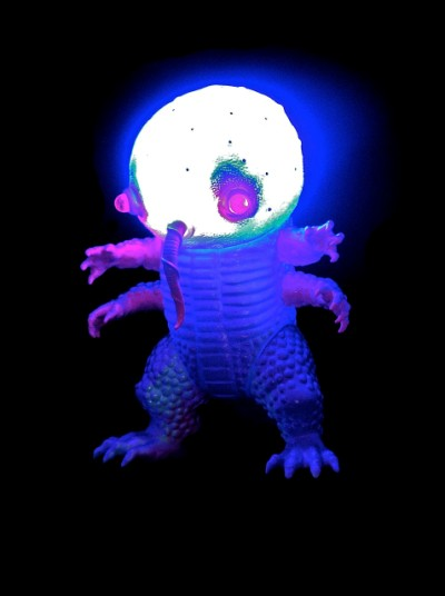 nightgamer_kaiju_led 400x536