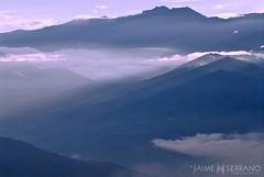 Azul infinito (Jaime Serrano Photography) Tags: paisajes color luz sol rural ecuador natura amanecer nubes andes cielos vistas detalles niebla panormicas pias entorno