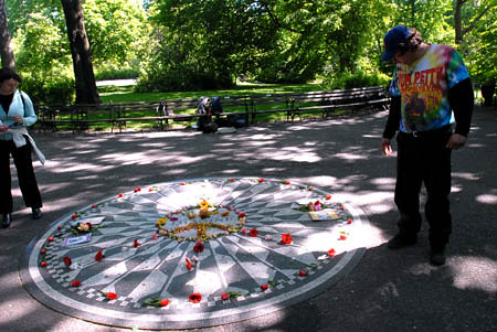 Going_Down_to_Strawberry_Fields_Visiting_Strawberry_Fields_in_Central_Park