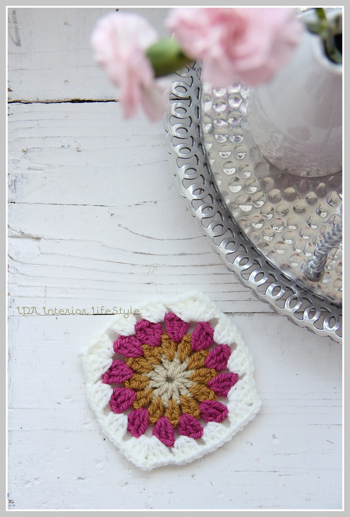 Crochet tutorial: sunburst {in a square}