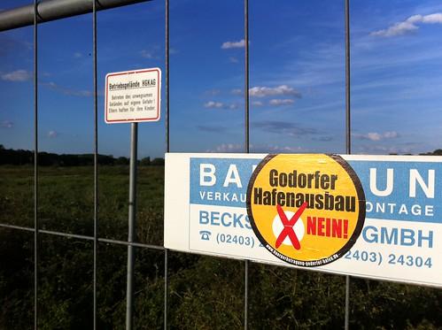 Zaun des Anstoßes: Stimmen die Bürger dafür, entsteht dahinter ein neus Hafenbecken.