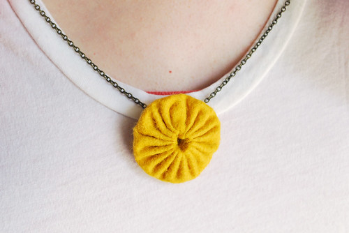a yoyo necklace